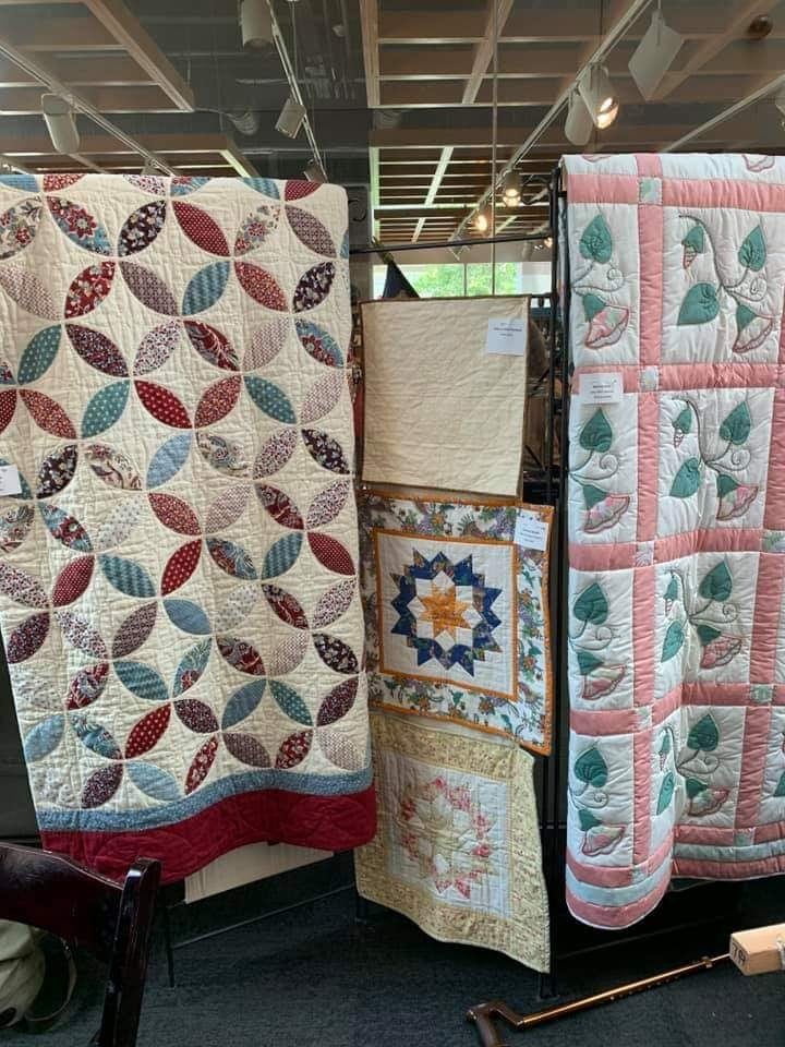 Cedar Grove Quilts at the Quilt In